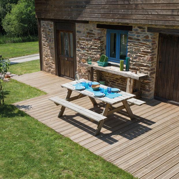 Terrasse en bois les cl s de la r ussite ma maison for Les cles de la maison