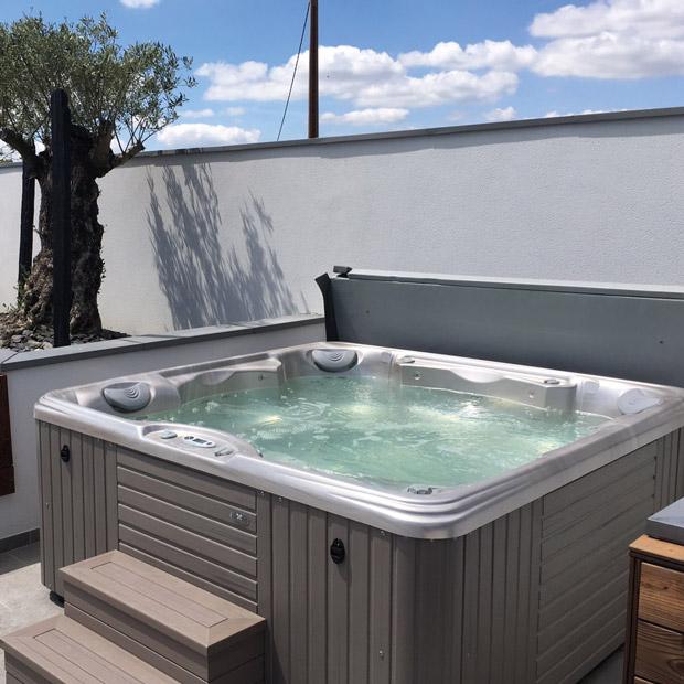 Toulouse un spa dans son jardin ou sur la terrasse for Dans un jardin boutique