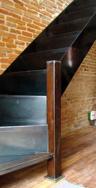 escalier interieur metal