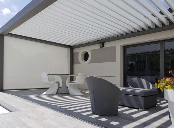 Pergola bioclimatique avec terrasse et piscine à Pibrac - MA MAISON