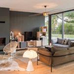 salon de la villa béton réalisée par l'agence Ar-Quo