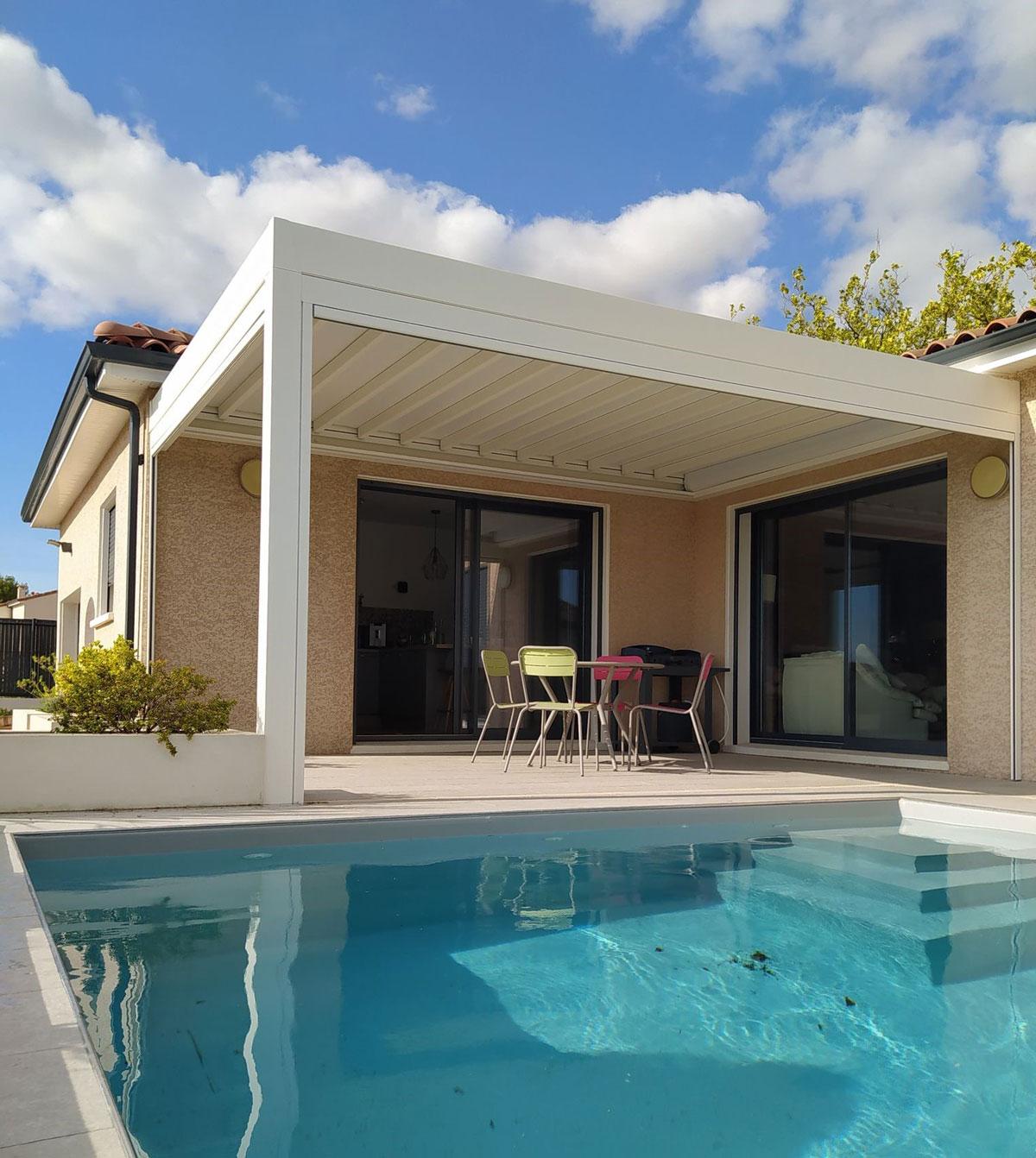 piscine pergola Toulouse été